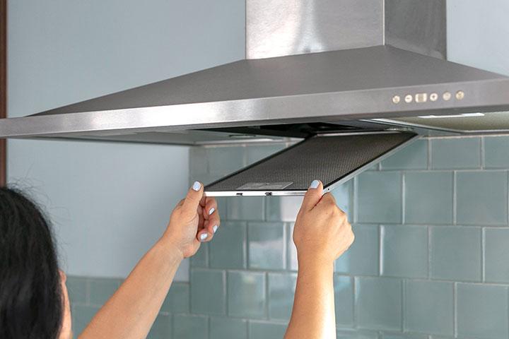 5 روش برای تشخیص زمان تعویض فیلتر هود آشپزخانه (همراه انواع فیلترها)
